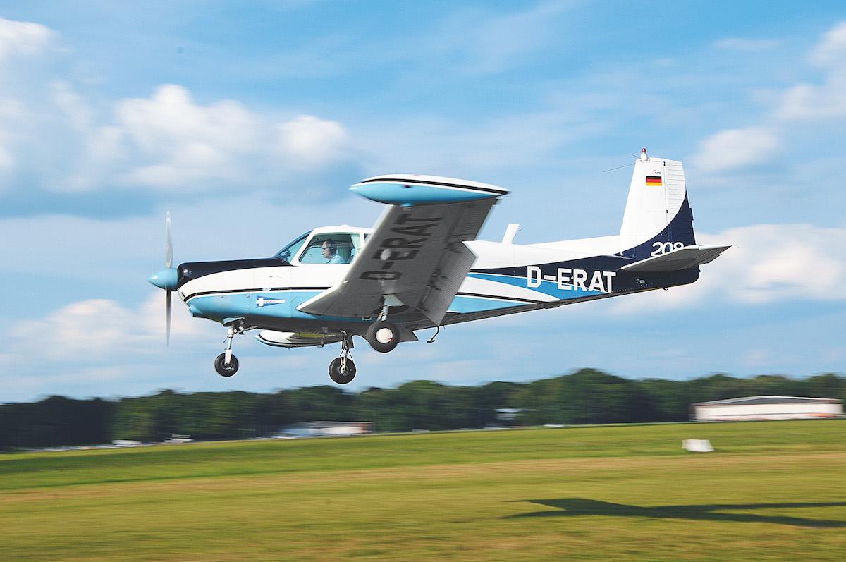 Flugzeug-Reportage: SIAI-Marchetti S.208