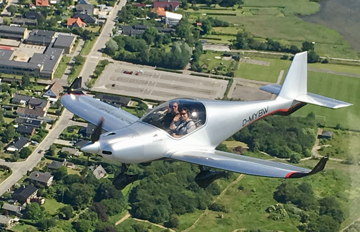 Neue Heimat: D-MYBW ist die erste nach Deutschland ausgelieferte Blackwing BW 600 FG