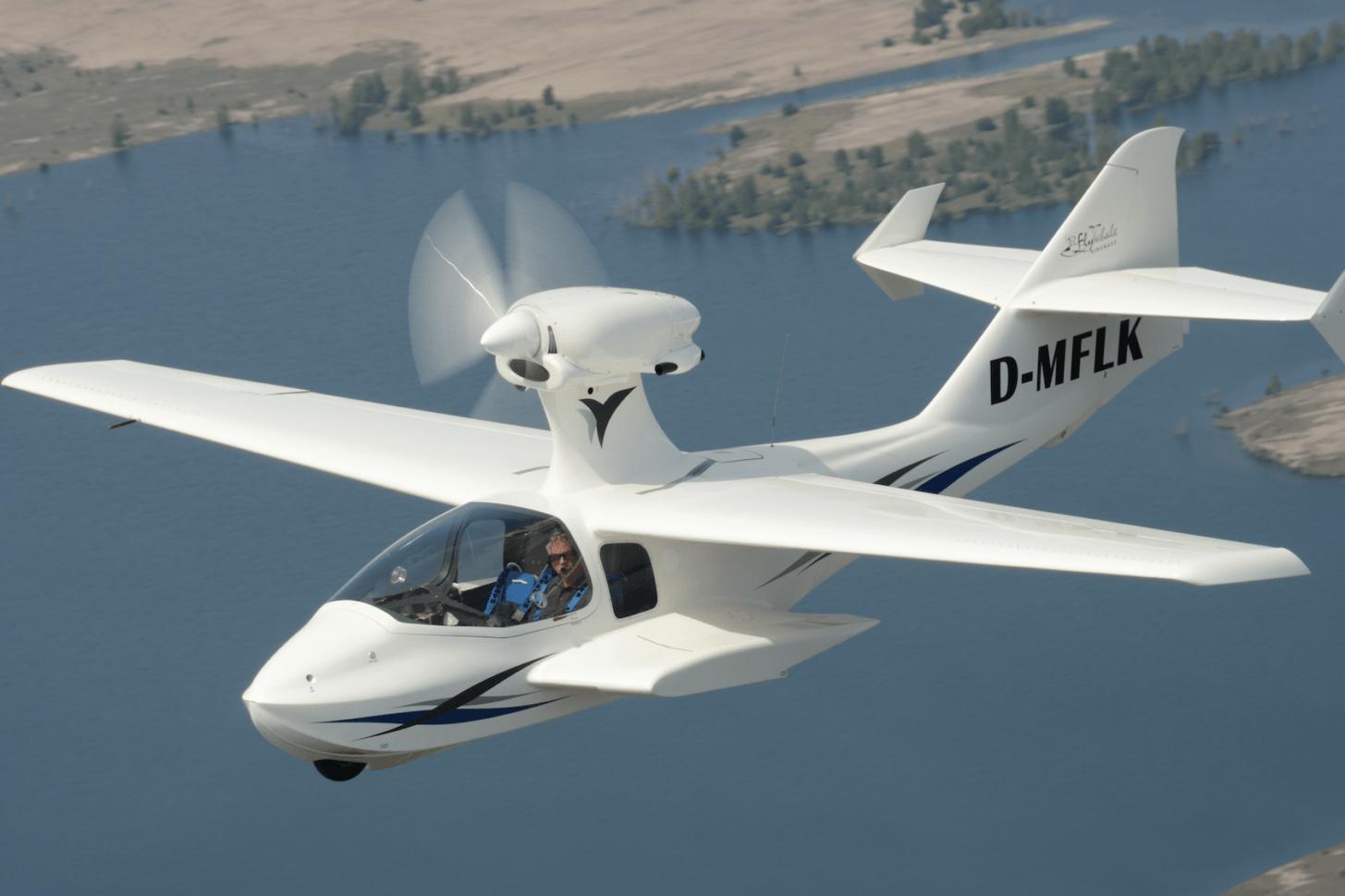 Flywhale: schnelles Reise-UL für Land und Wasser