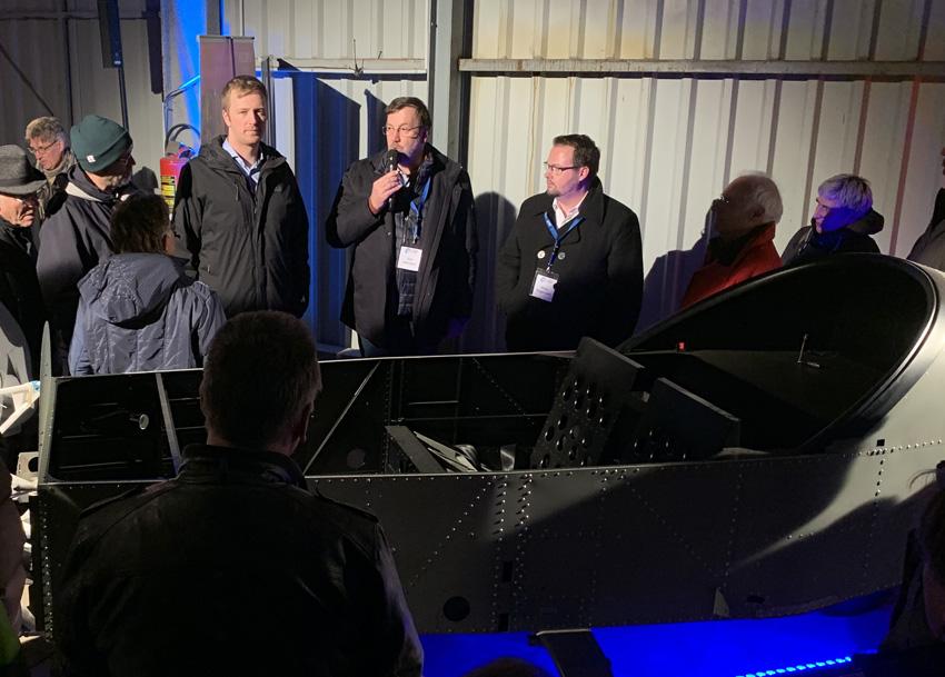 Großes Interesse: Präsentation des E-Projekts am Flugplatz Lüneburg