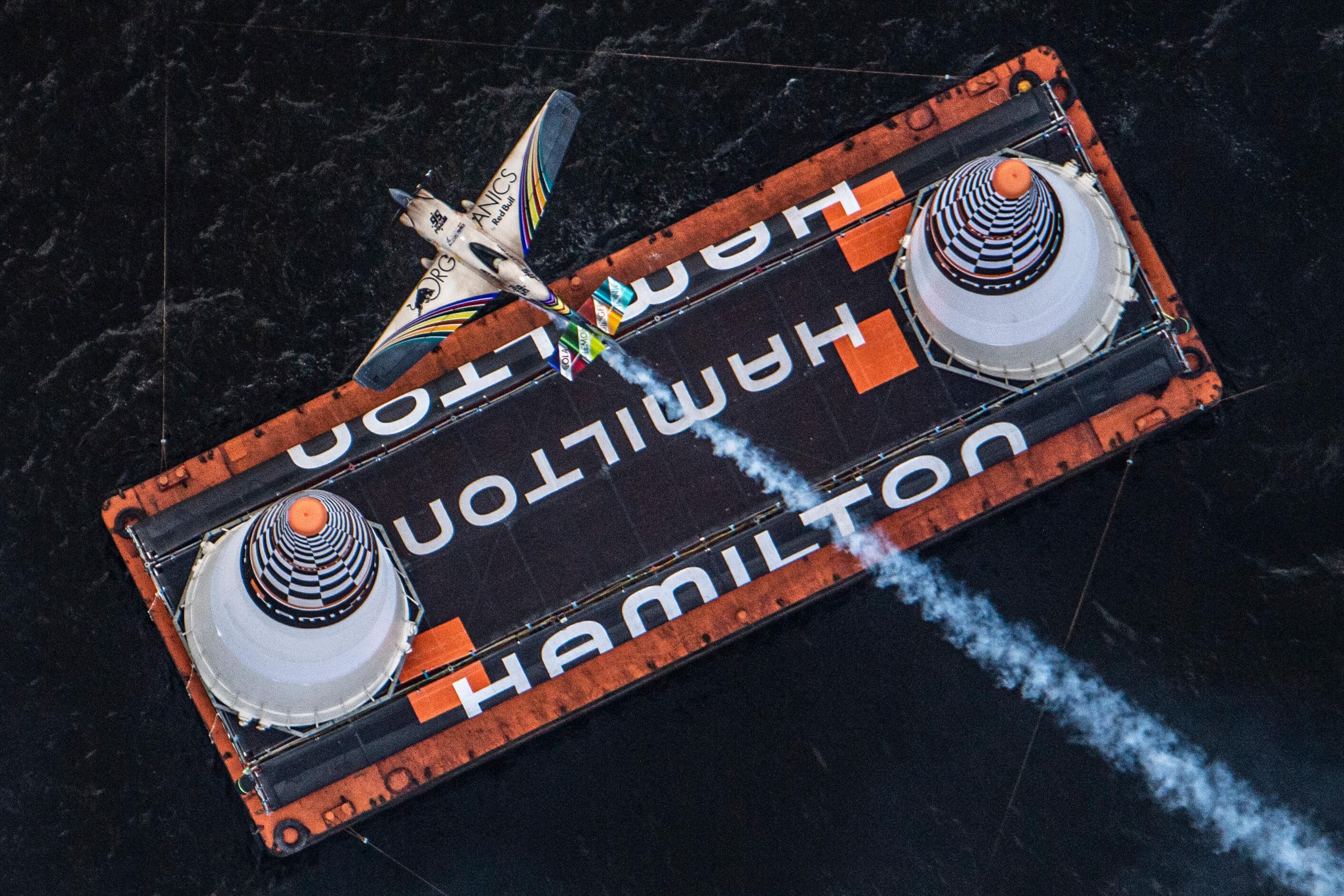 Matt Hall aus Australien tritt während des Finales in der vierten Runde der Red Bull Air Race-Weltmeisterschaft am 8. September 2019 in Chiba, Japan auf.