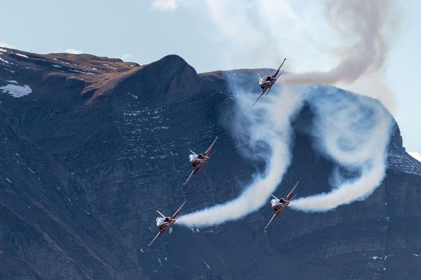 Klassiker: Die über 40 Jahre alten Tiger-Jets der Patrouille Suisse haben kein GPS, navigiert wird nach Karte