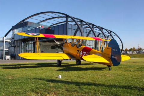 Angekommen: Die Neue in der Quax-Flotte vor dem Hangar in Paderborn