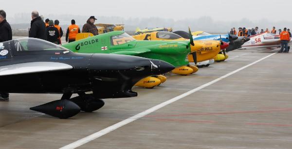 Gemeinsam an den Start: Acht Racer sollen jeweils gegeneinander fliegen