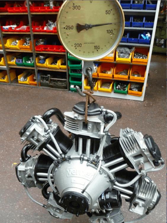 Nur 77 Kilo: Für einen 117-PS-Motor ist das Gewicht erstaunlich niedrig