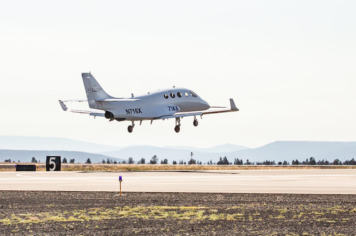 Stratos 716X beim Erstflug
