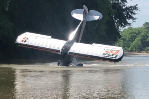 Videoanalyse einer Carbon-Cub-Notlandung in einem Fluss