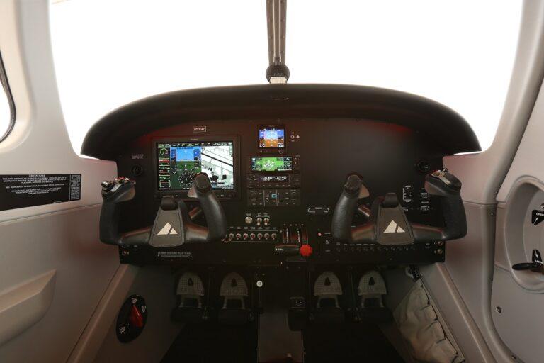 Pilot 100i Panel