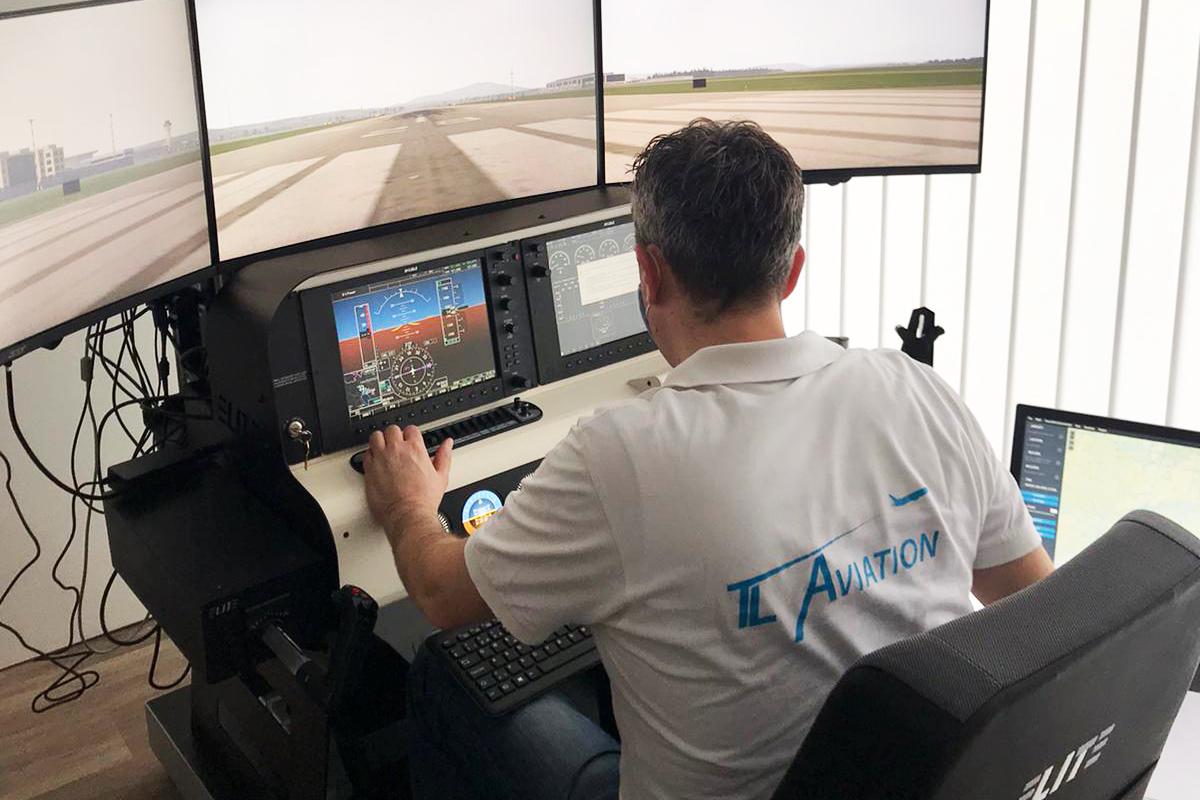 TL Aviation hat einen Cirrus Simulator