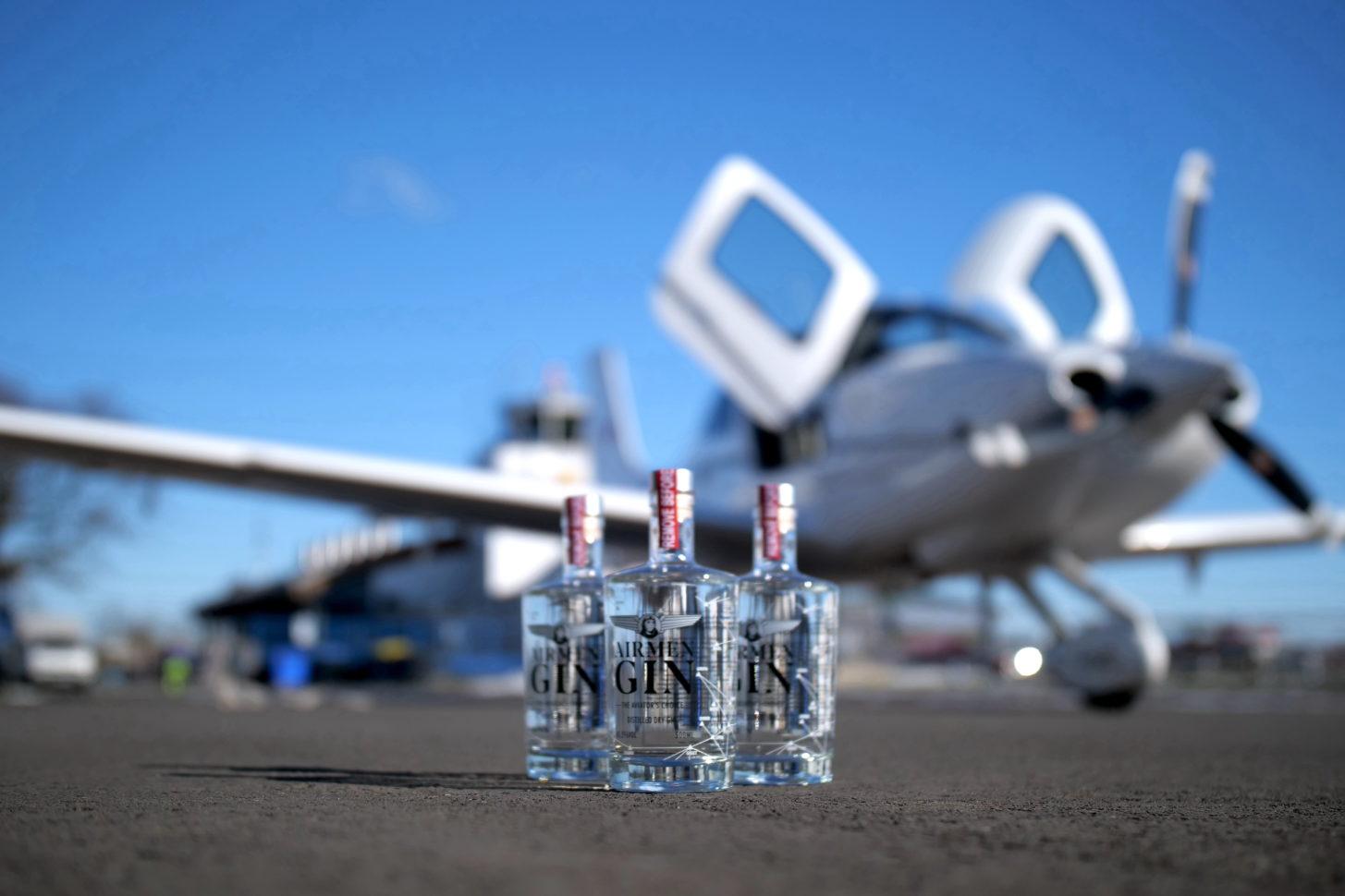 fliegermagazin und Airmen Gin verlosen einen Schnupperflug
