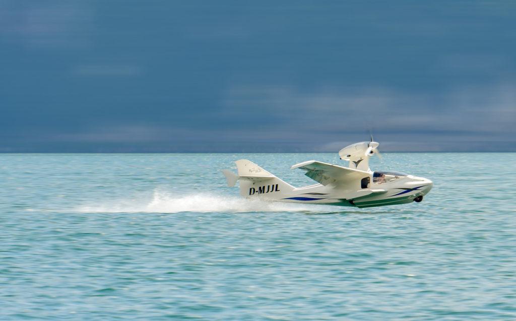 Flywhale, UL-Wasserflugzeug, Wasserfliegen